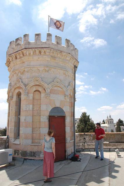 Работа на крыше Сергиевского подворья. © Иерусалимское отделение ИППО