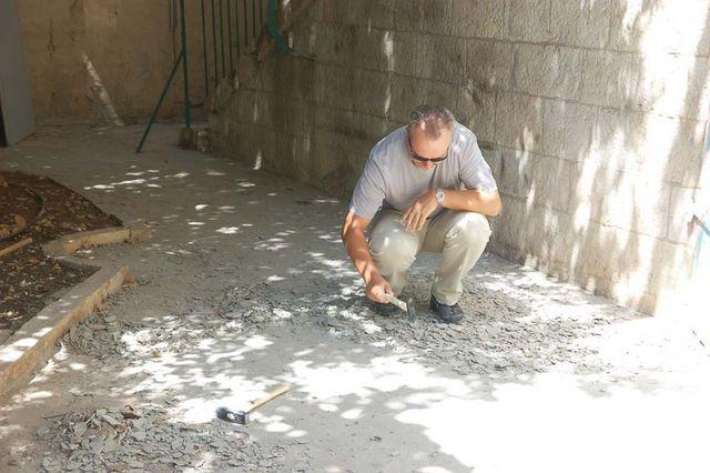 Работы по очистке бетона. © Иерусалимское отделение ИППО