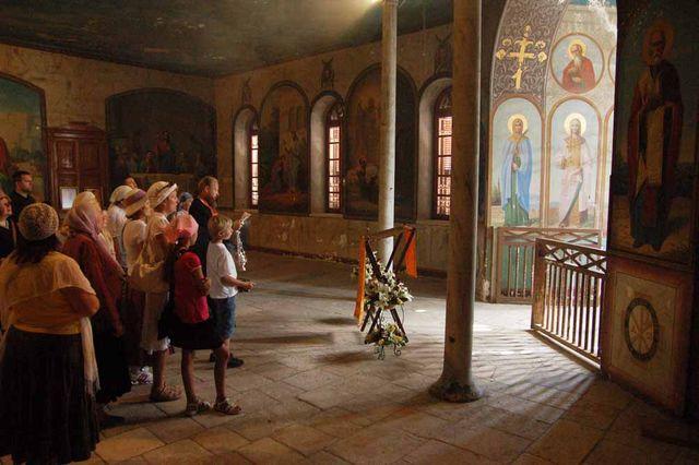 Молебен в народной трапезной Сергиевского подворья. © Иерусалимское отделение ИППО