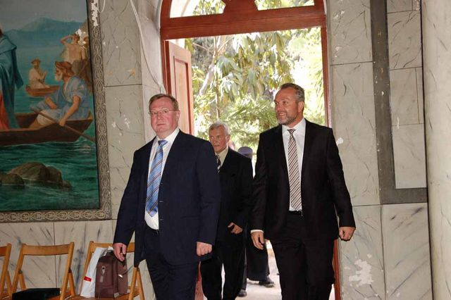 С.В.Степашин прибыл в народную трапезную Сергиевского подворья. © Иерусалимское отделение ИППО