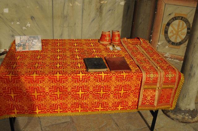 Стол для молебнов - дар семьи Фадеичевых из Москвы © Иерусалимское отделение ИППО