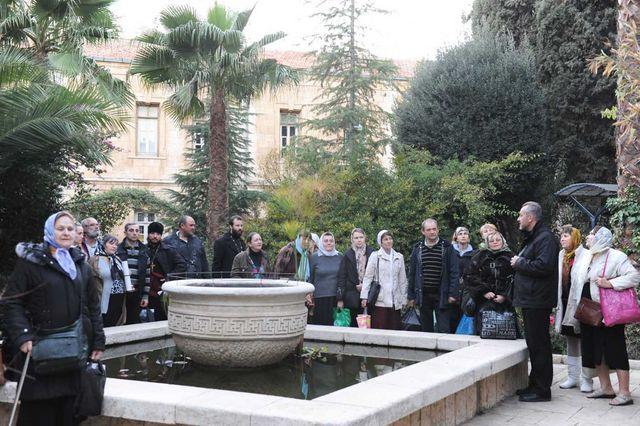 П.В. Платонов встречает православных паломников - русских соотечественников из Испании @ Иерусалимское отделение ИППО