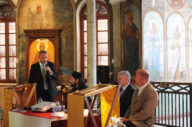 Павел Платонов обращается с приветственным словом к гостям и участникам семинара © Иерусалимское отделение ИППО