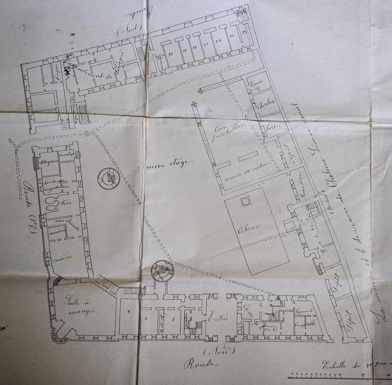Архитектурный план городского архитектора Ибрагима Мусы 28 февраля 1895 г. 1-этаж. © Иерусалимское отделение ИППО На плане внутреннего двора видна схема проведения канализации
