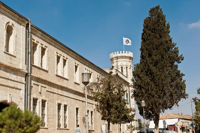 7 октября 2011 года. Флаг ИППО над башней Сергиевского подворья в Иерусалиме © Иерусалимское отделение ИППО