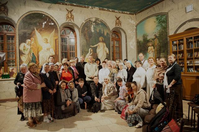 Общее фото с паломниками на память © Иерусалимское отделение ИППО