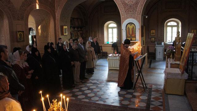 Молебен перед иконой Елисаветы Феодоровны в храм св. Марии Магдалины в Гефсимании