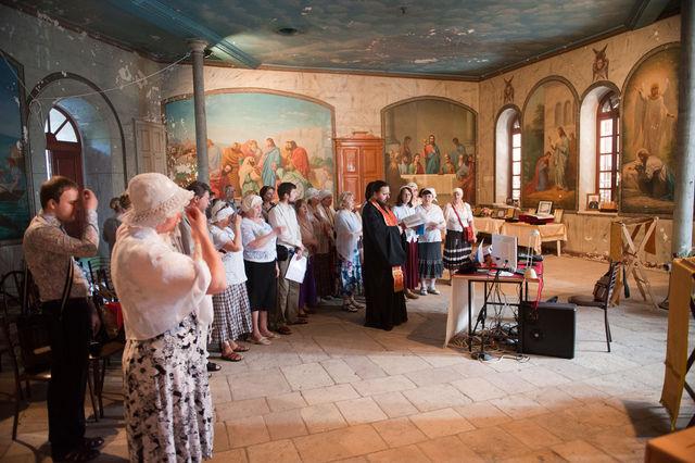 Молебен небесным покровителям ИППО в народной трапезной Сергиевского подворья 27 апреля 2012