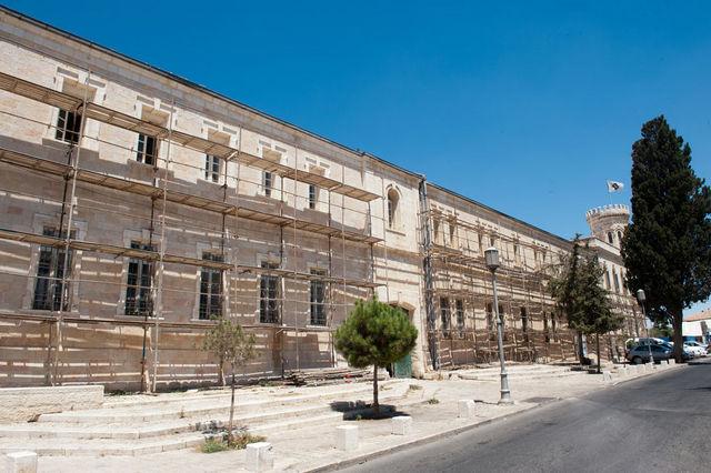 19 августа 2012 г. Очистка фасадов южного корпуса