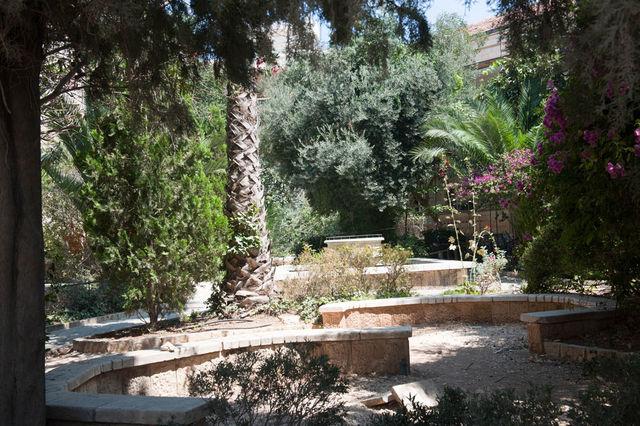 19 авугста 2012 г. Внутренний двор освобожден от сельскохозяйственных экспонатов © Иерусалимское отделение ИППО.