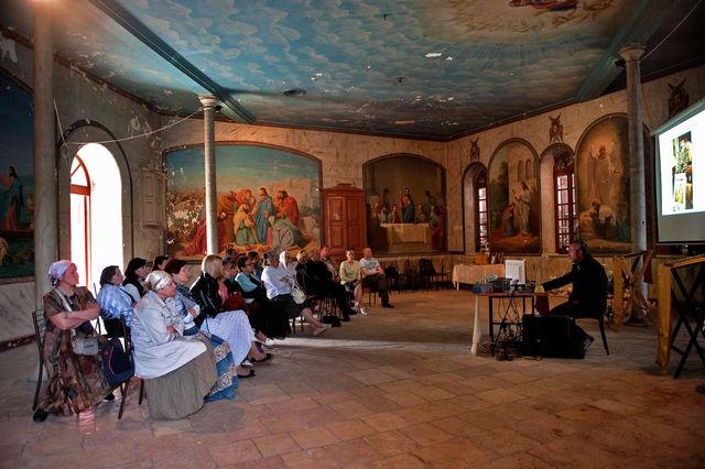 1 апреля 2012 г. Сергиевские чтения для паломников из Москвы, Твери и Калуги. © Иерусалимское отделение ИППО
