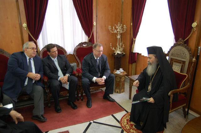 Беседа с Патриархом Святого Града Иерусалима и Всея Палестины Феофилом III © Иерусалимское отделение ИППО