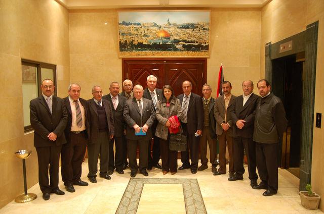 Общее фото членов Совета ИППО Ю.А.Грачёва и О.И.Фомина с членами Вифлеемского отделения ИППО. © Иерусалимское отделение ИППО