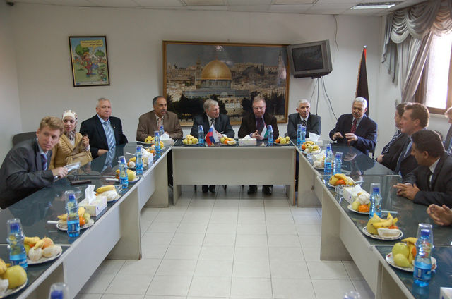 Председатель ИППО С.В.Степашин с делегацией на встрече с губернатором и мэром Иерихона. © Иерусалимское отделение ИППО
