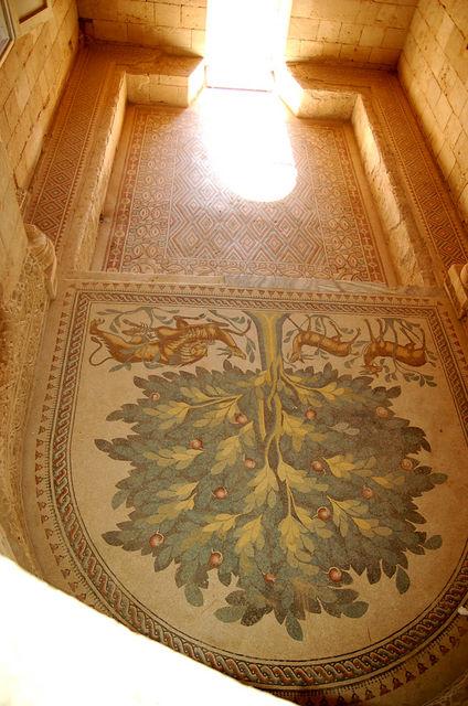 """Мозаика - """"Древо жизни"""". © Иерусалимское отделение ИППО"""