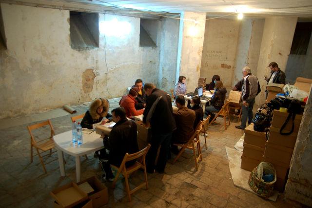 Работа совместной комнады МИД РФ и ИППО по описи архива ИППО. © Иерусалимское отделение ИППО